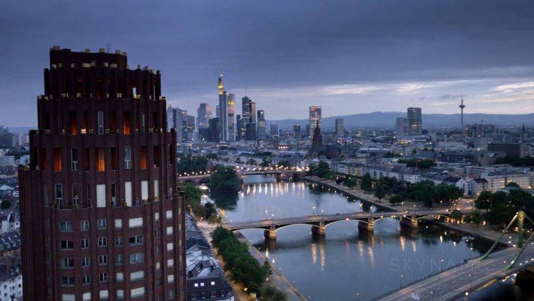 Frankfurt Luftaufnahmen mit Drohne im Morgenlicht