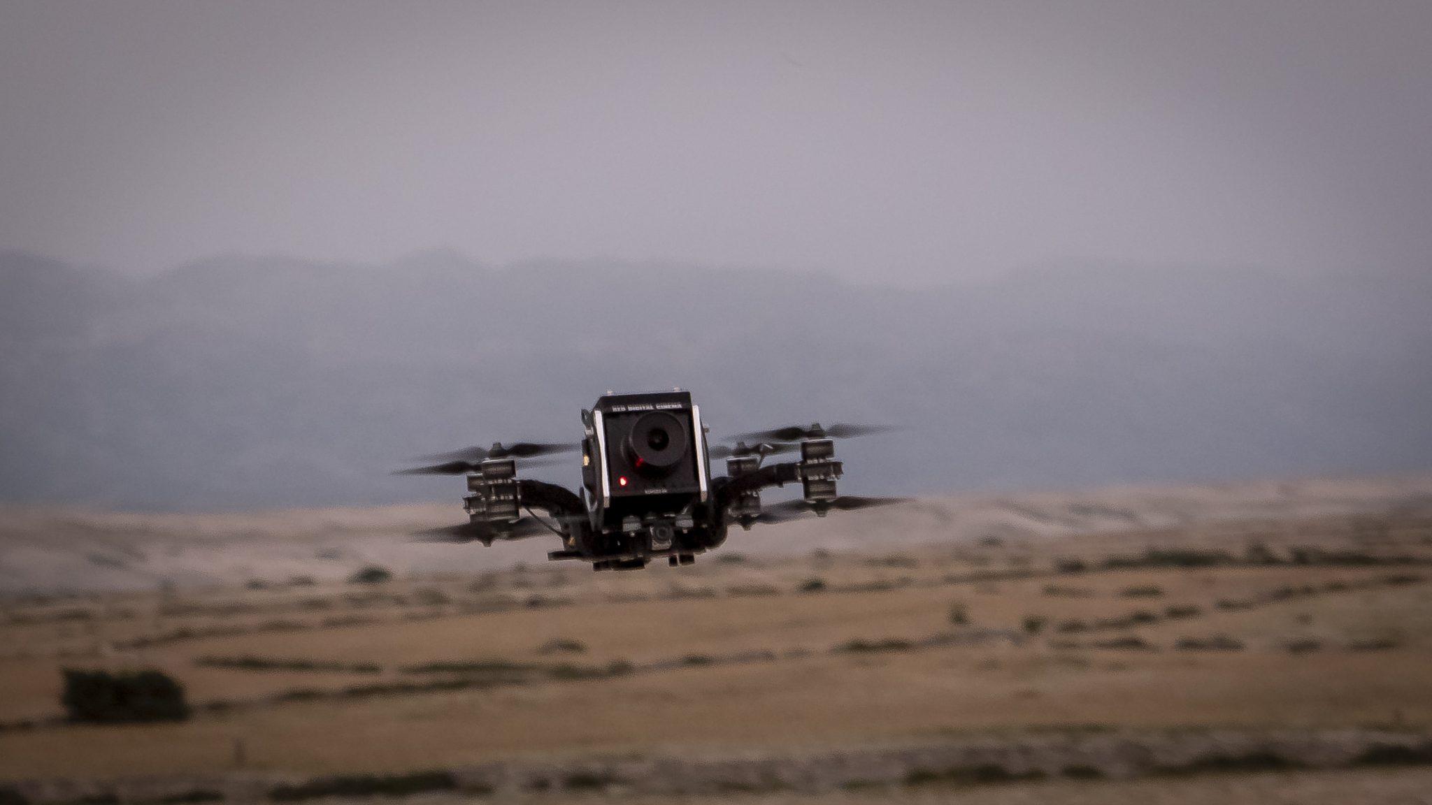 Red Komodo FPV Race Drohne mit Pilot Berlin